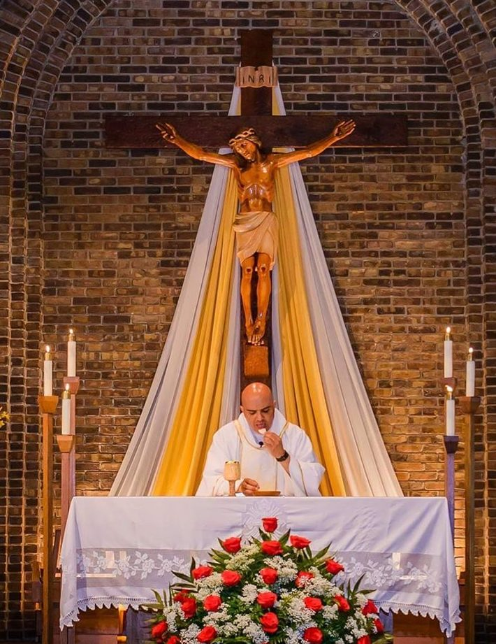 Rev. Hernan Quevedo : Parochial Vicar